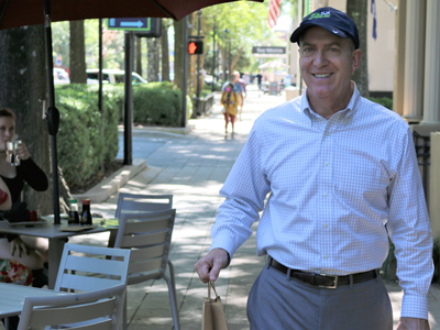 Mayor shopping along Main Street
